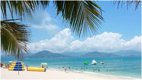 海南日月湾海滩